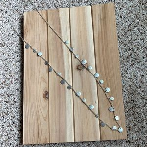 Jewelry - Long silver disc necklace